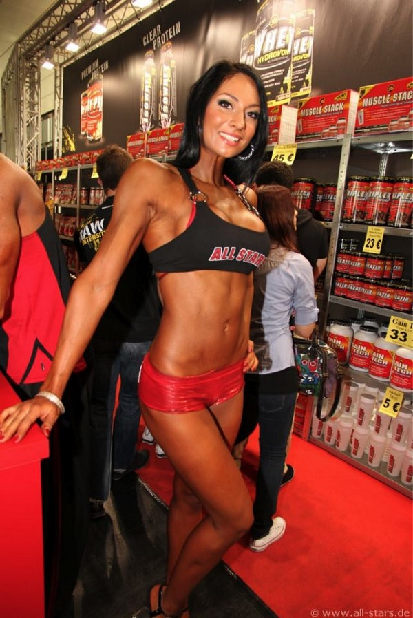 scitec nutrition supremely anabolic protein 100 whey isolate
