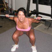 Pharmasports empfiehlt Kniebeuge und Kreuzheben Beste Übungen für die Frau