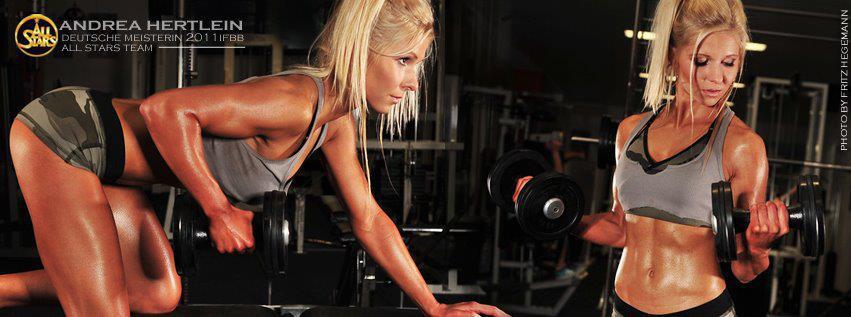 Fitness Bikini Athletin Andrea Hertlein erhält die Pro Card und wechselt zu den Profis.
